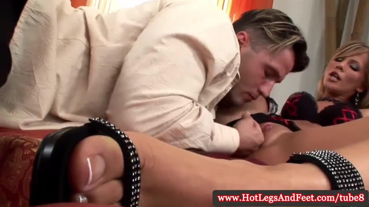 Порно в босоножках