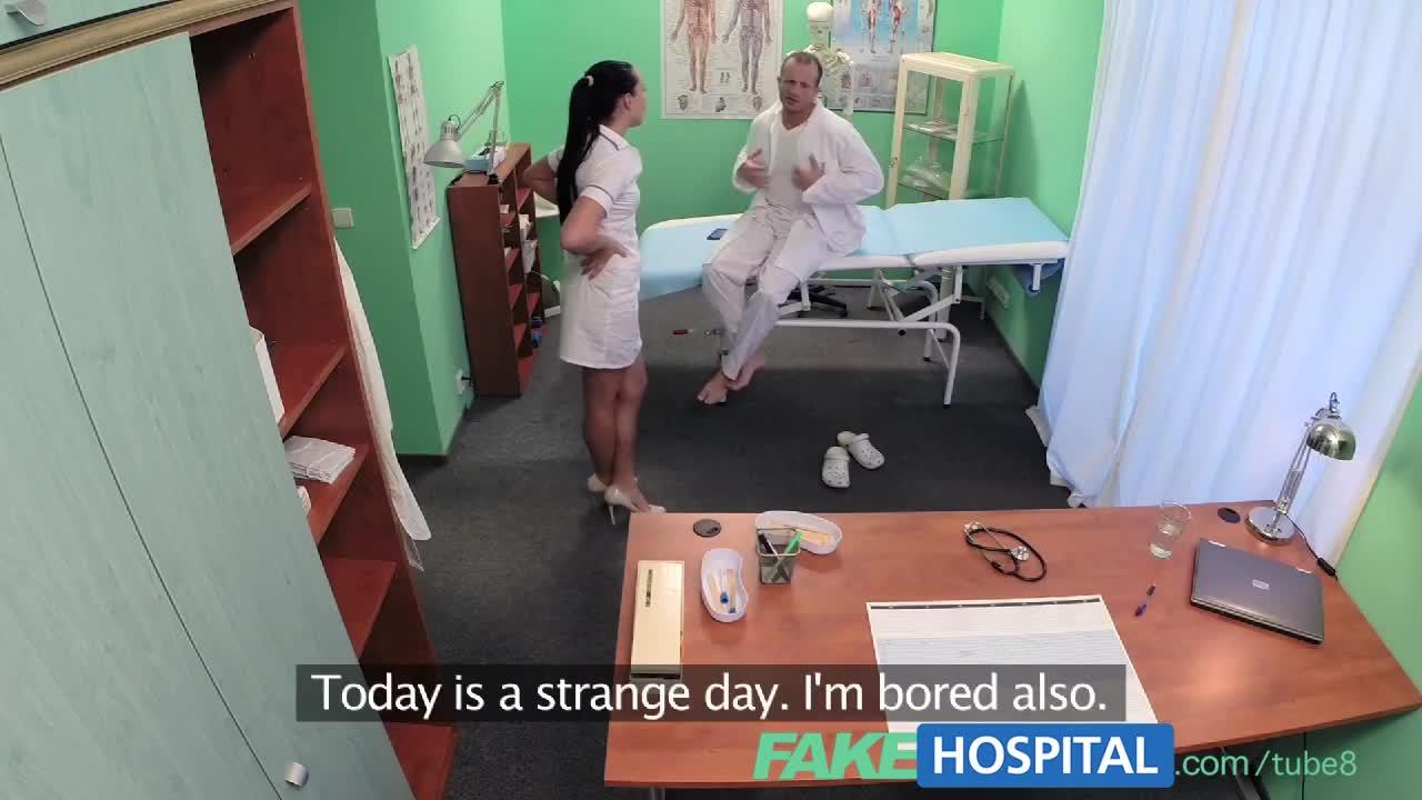 Подсмотрел в больнице за медсестрой