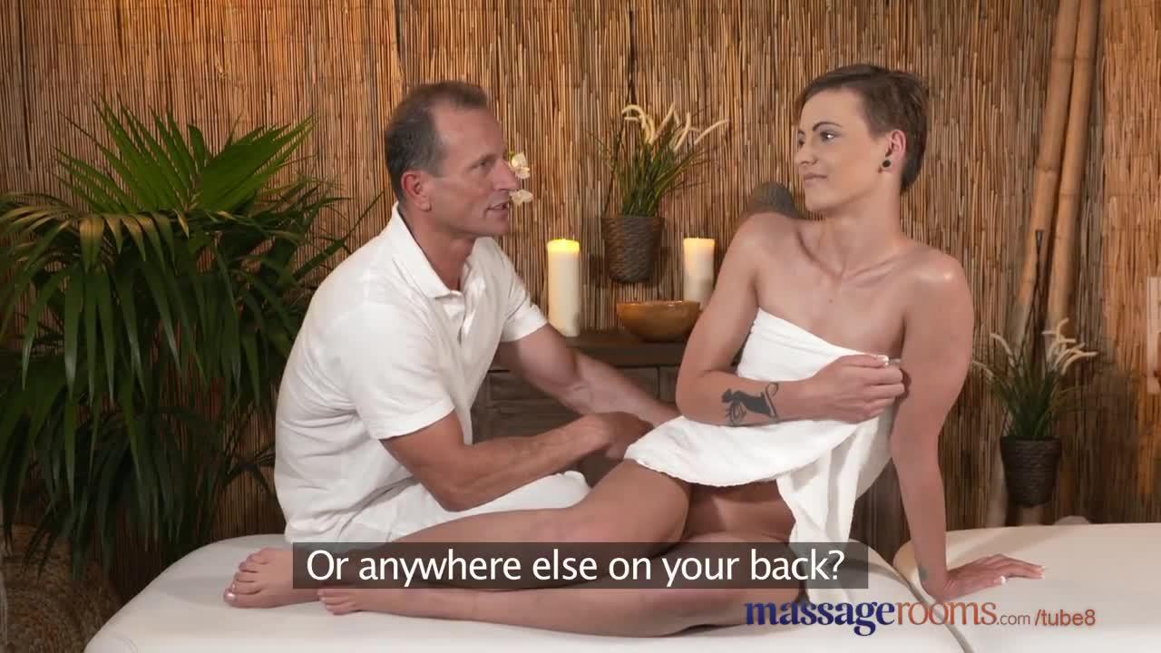 porno-foto-kachestvenniy-massazh-promezhnosti-porno