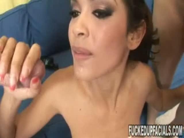 porno-ona-brizzhet-kogda-ey-lizhut