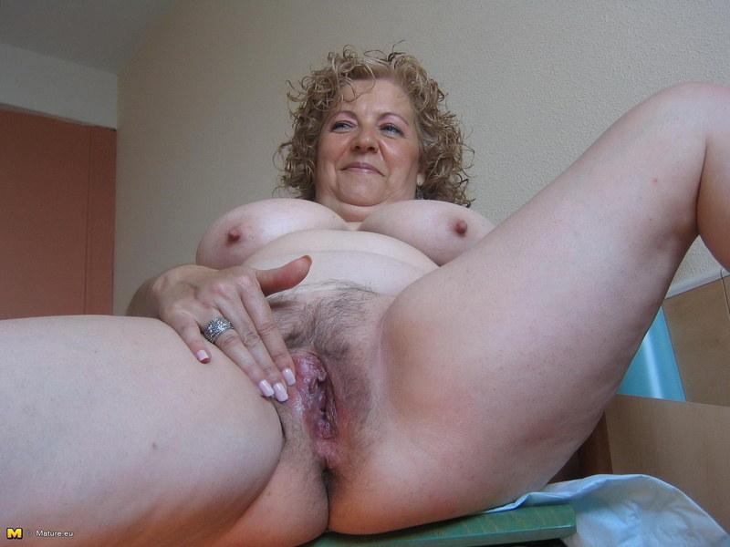 Сисястые тетки мастурбируют порнуха жопа