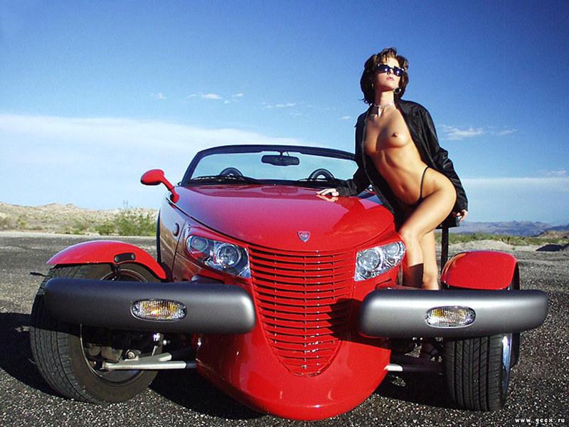 Ретро авто и голые девушки