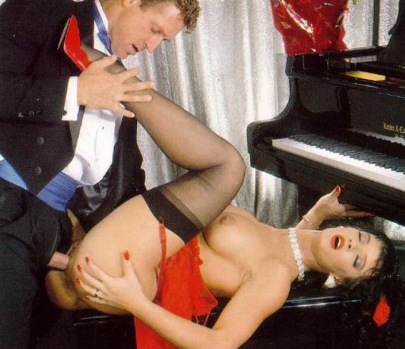 Мне было порно секса на пианино