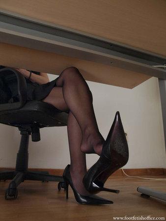 Секретарши в нейлоне фото, телеведущая трахается на скрытую камеру