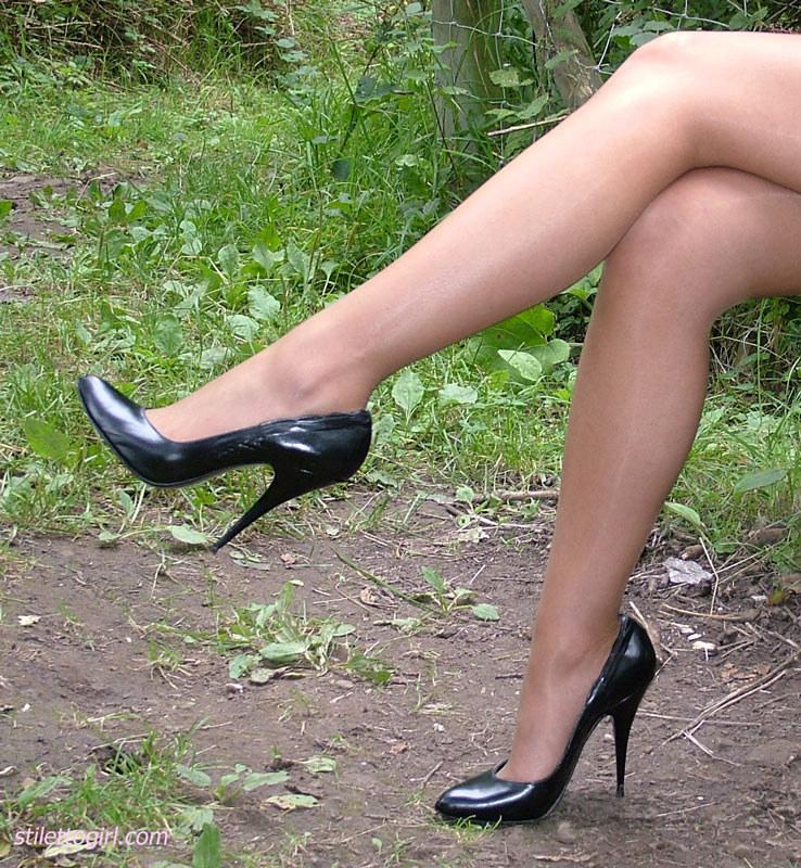 красивые ножки в босоножках видео сексуальные-цб1