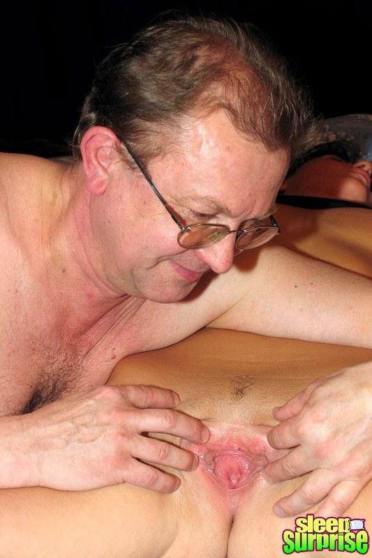 секс со спящими мужиками