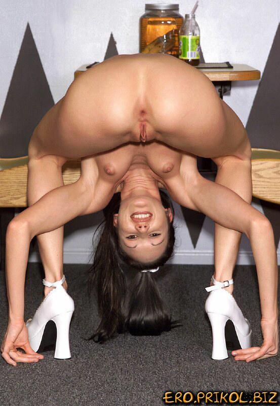 Порно фото голые девушки в необычных местах вышли