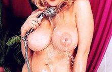Пять фото с симпатичными голыми девками