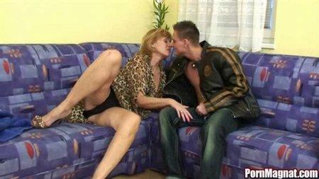 хорошая первый секс с учительницей Так бывает