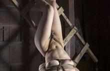 Бондаж, связывание веревкой №696