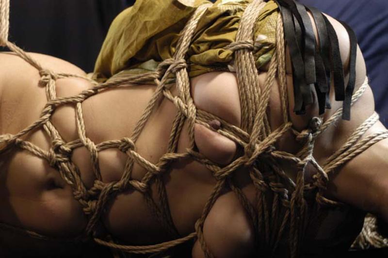 Фото веревочный бондаж