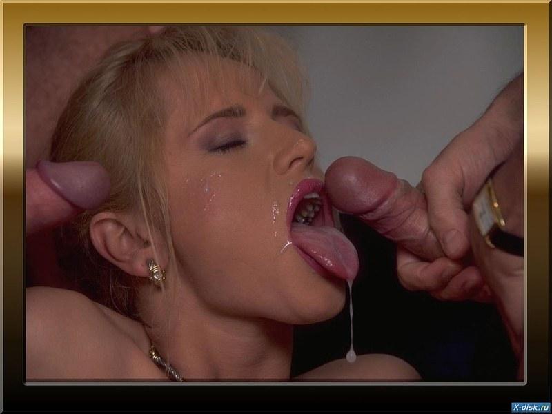 Голая девушка делающая минет вся залита спермой фото галерея