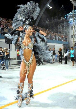 Эротик шоу бразилия 4