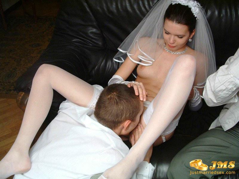 Невесты: смотреть сюжетное порно видео с девушками в ...