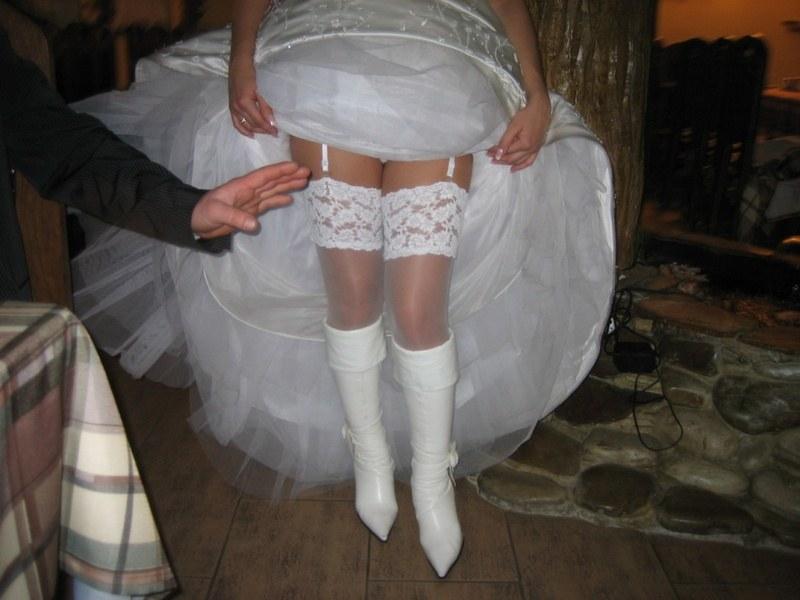 На свадьбе сосут хуй