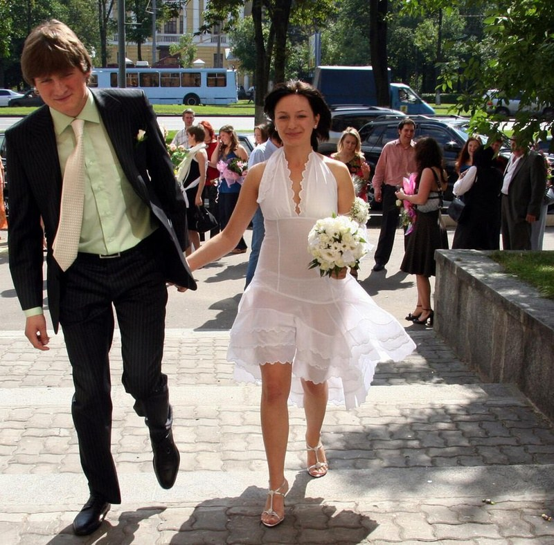 nevestu-trahnuli-vse-gosti-svadbi