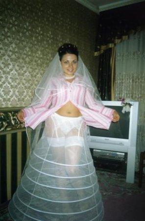 Секс у невесты под юбкой, домашнее готова принять член
