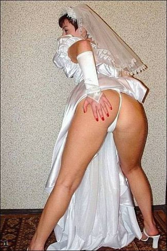 Подсмотренные под платье невест порно ролики