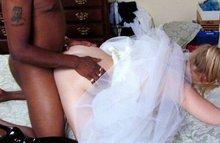 Негр утешает невесту от которой сбежал жених