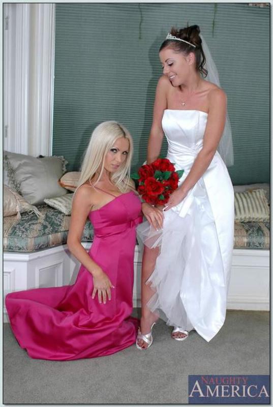 Огромные дойки в свадебном наряде