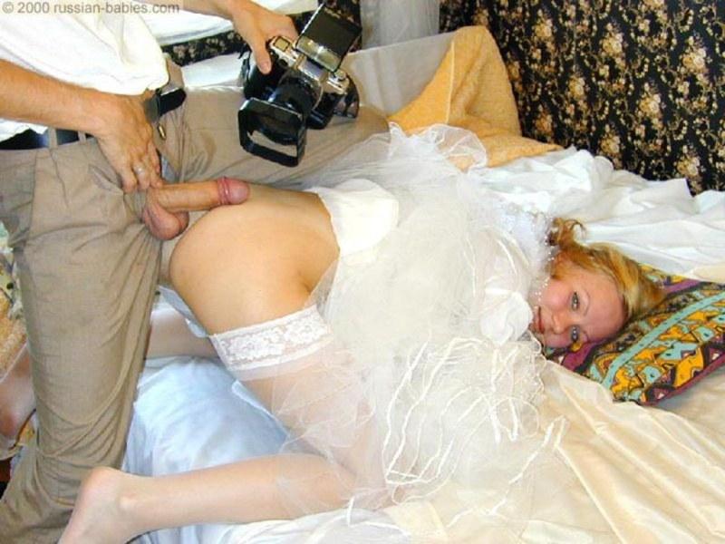Пьяные свадьбах голые на девки жгут