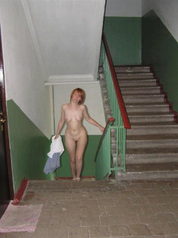 интим фото жены на лестничной площадки