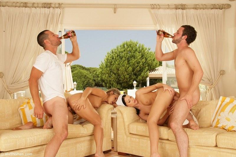порево служанок с мужиками