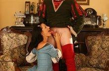 Секс а ля средние века - дамы ублажают кавалеров