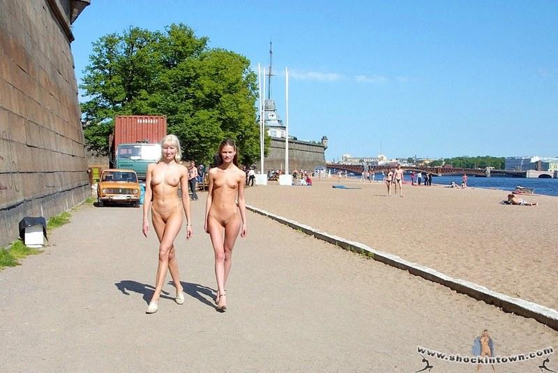 porno-golie-na-ulitse-v-rossii