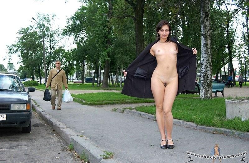 Голые Женщины Ролики На Улице Которых Раздевают