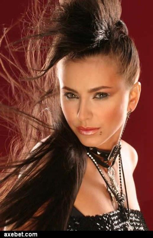 Сексуальная Ани Лорак (104 фото) ~ Mega-Porno