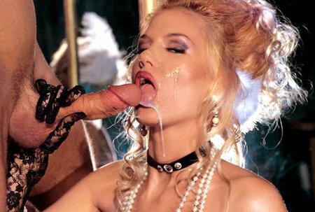 trah-striptizersh-na-podiume-porno-onlayn