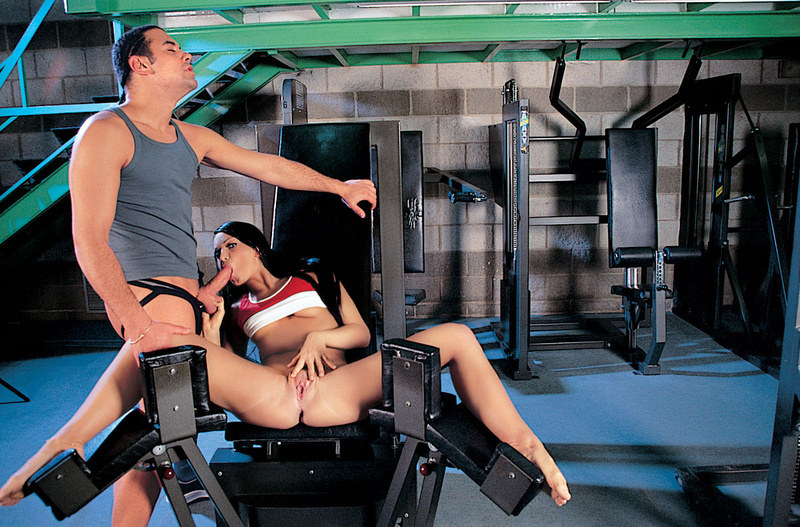 порно фото в тренажорным зале