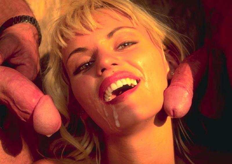 Девушки раздиванивание анита блонд порно архив спущенными