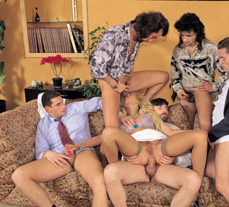 Обедом за групповое порно немецкое