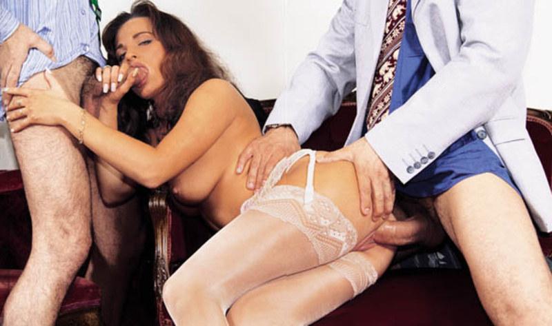 секс официантка рассказ