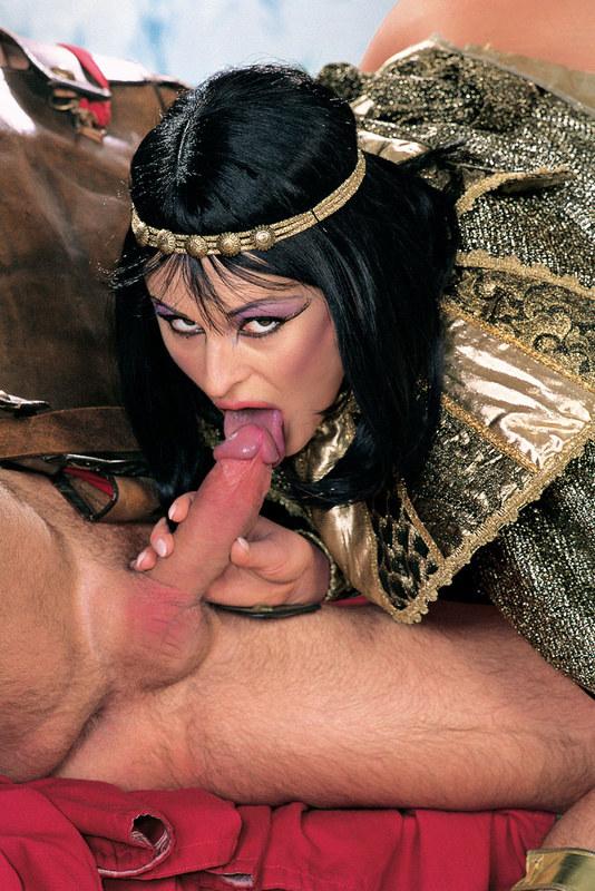Клеопатра приказала рабу трахнуть её