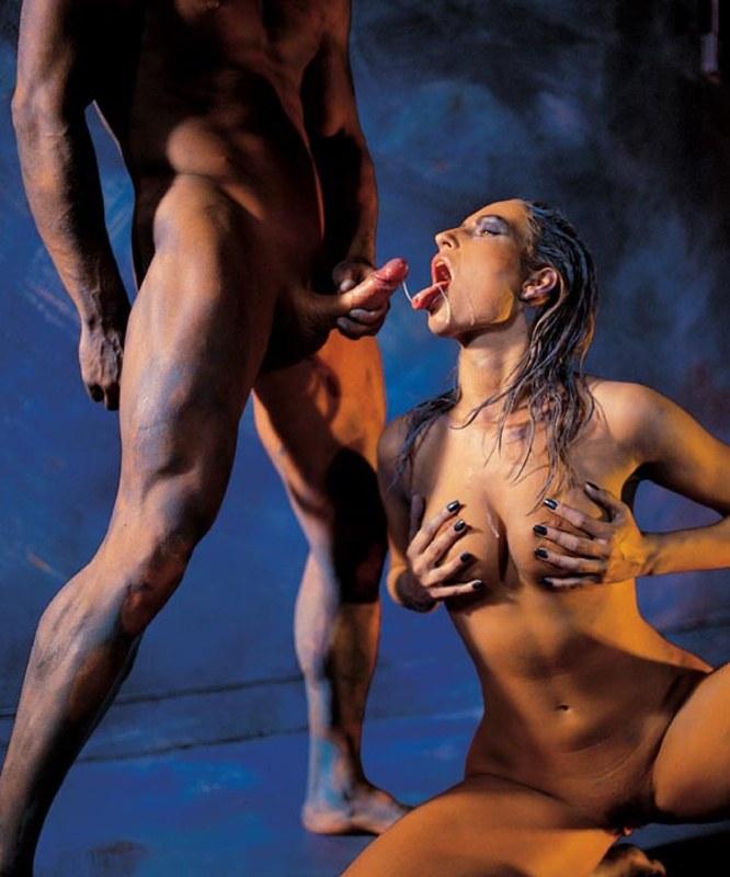видео секс с бодиарт
