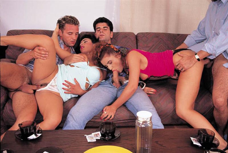 Порно вечеринка развратных дамочек