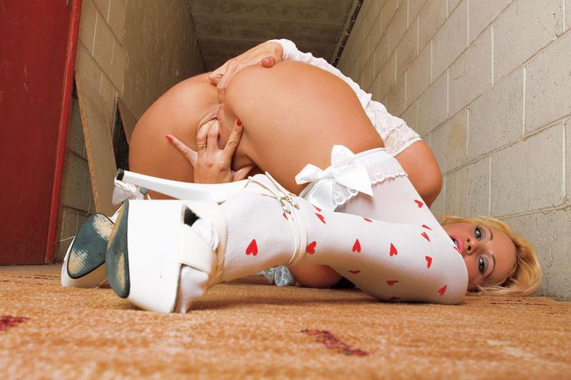 малышка с вибратором