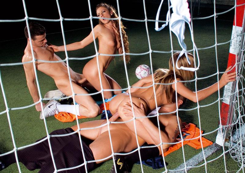 Шлюхи футбольные порно порно фильм