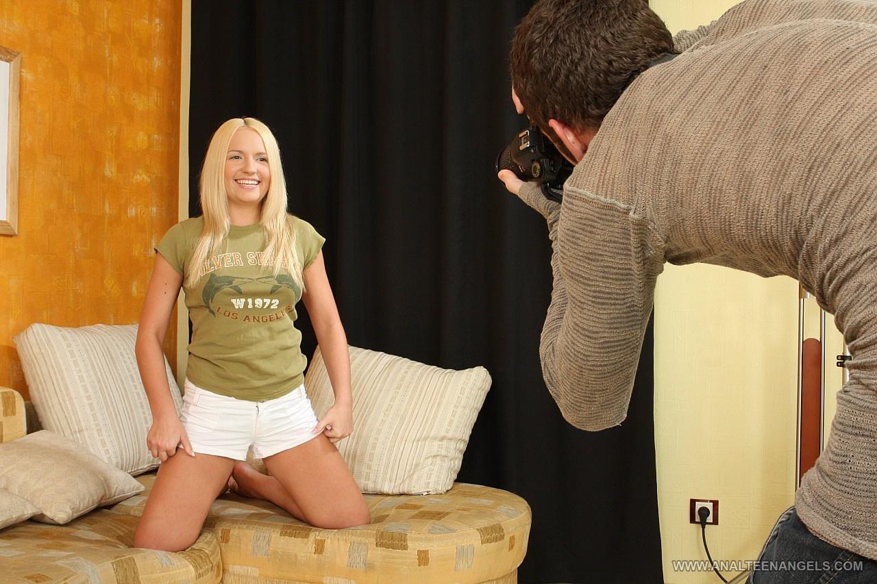 Двойное проникновение в блондинку