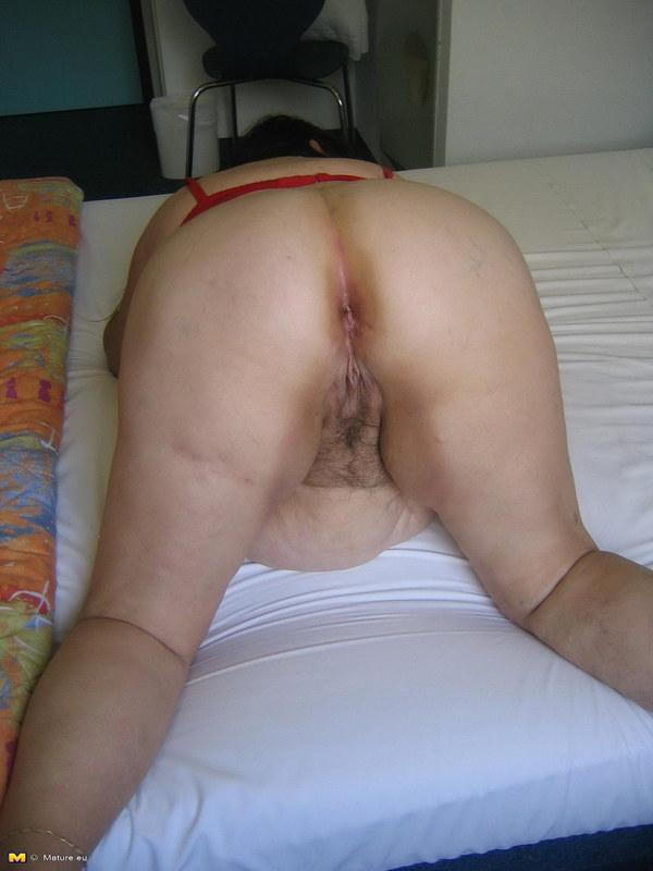 Порно фото бабки стоят раком в контакте