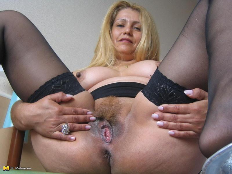 Порно итальянки ледибой в колготках на голое тело