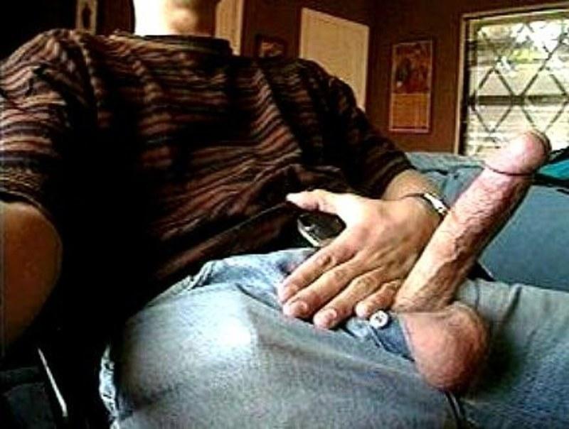порно фото хвастающихся парней членами