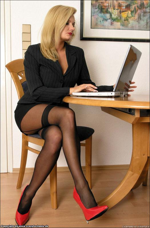 Секси леди на работе фото ошибаетесь