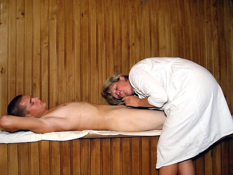 sauni-s-eroticheskim-massazhem-g-moskvi