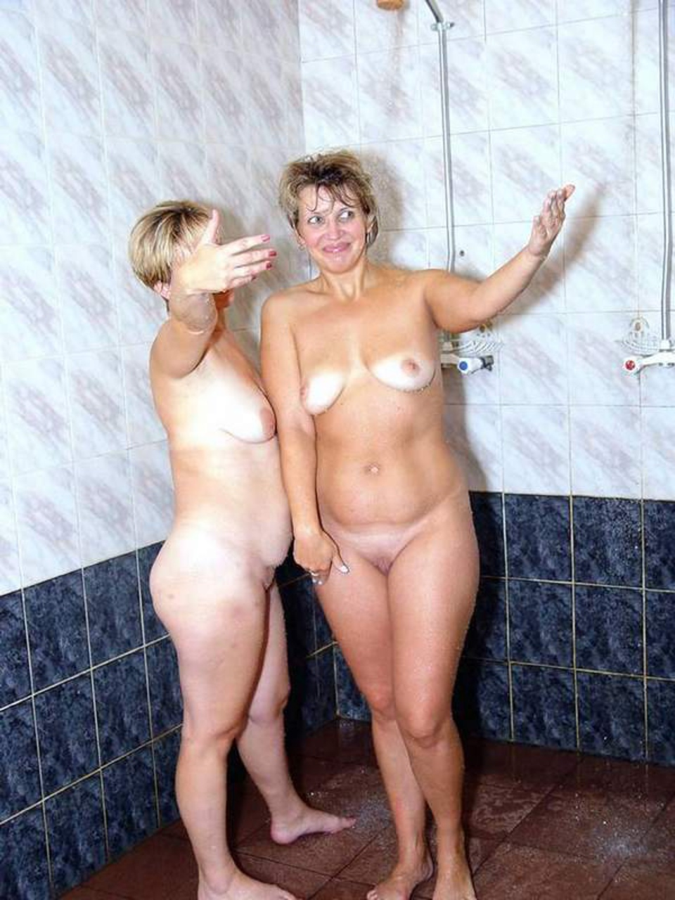 Банный секс со зрелыми