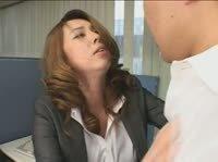 Жаркая азиатка любит секс по жестче