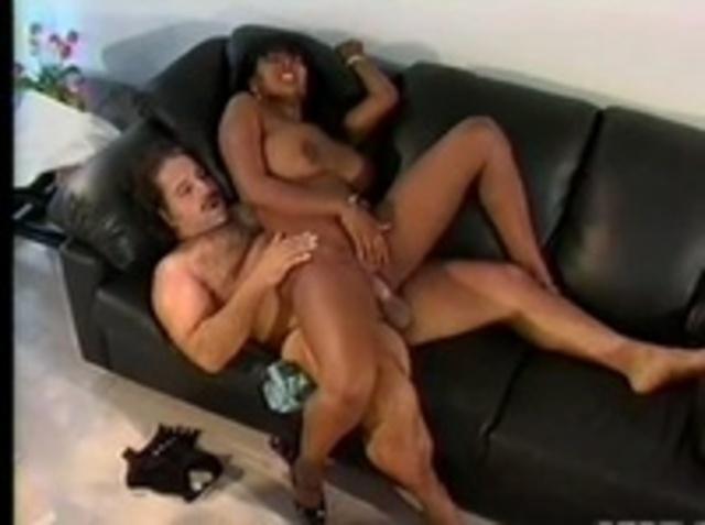 zagruzka-klassicheskiy-seks-negri